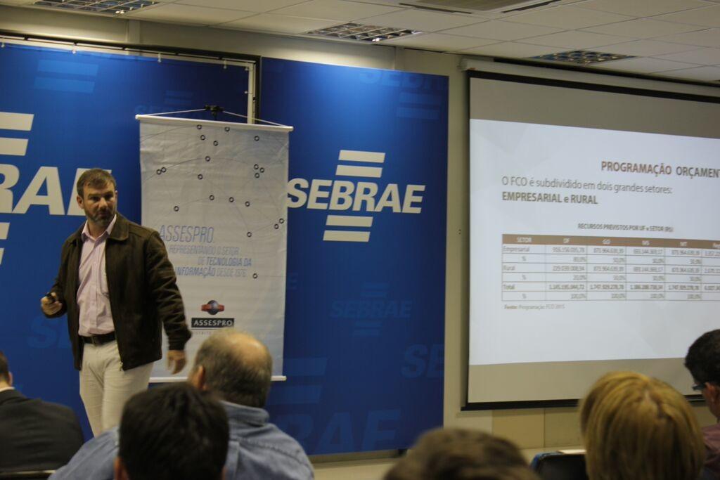 Sócio da Kapital Projetos palestra sobre FCO no Sebrae